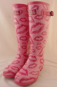 Lipstick wellies. #pink #color #colours