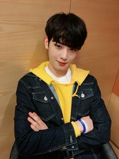 EunWoo astro ( ˘ ³˘)❤ Asian Actors, Korean Actors, Cha Eunwoo Astro, Lee Dong Min, Astro Fandom Name, Cha Eun Woo, Sanha, Kpop, Debut Album