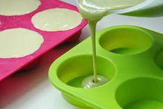"""Jak zrobić mydło metodą """"na zimno"""" Wpis ten przygotowałam z myślą o tych, którzy chcieliby samodzielnie zrobić mydło jednak nie mają o ... Homemade Cosmetics, Natural Cosmetics, Origami, Diy And Crafts, Soap, Herbs, Perfume, Health, Blog"""