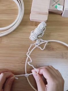 Diy Crafts For Home Decor, Diy Crafts Hacks, Diy Crafts For Gifts, Diy Arts And Crafts, Diy Crafts Videos, Creative Crafts, Yarn Crafts, Easy Diy Room Decor, Dream Catcher Decor