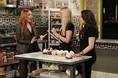 Tall order ~ Lindsay Lohan (Claire), Caroline (Beth Behrs), Max (Kat Dennings) ~ 2 Broke Girls ~ Episode Still ~ Season 3: Episode 21: And the Wedding Cake Cake Cake #amusementphile