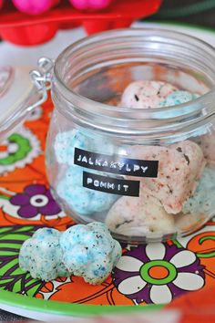 maistuu makialle: Jalkakylpypommit Easy Handmade Gifts, Diy Gifts, Diy Christmas Gifts, Handmade Christmas, Diy Candels, Diy And Crafts, Arts And Crafts, Diy Presents, Diy Spa