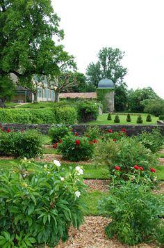 French+Garden+Design   ... In France Secret Garden, Glamorous In A French Garden   FRINCOR