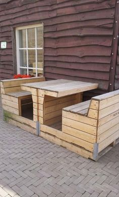 Wooden Pallet Furniture Amazing Uses For Old Pallets 35 Pics - Sources 1001 Pa. Wooden Pallet Furniture Amazing Uses For Old Pallets 35 Pics – Sources 1001 Pallets DIY Pallet Pallet Crates, Old Pallets, Recycled Pallets, Wooden Pallets, Pallet Wood, Pallet Tables, Pallet Benches, Diy Pallet Furniture, Diy Pallet Projects