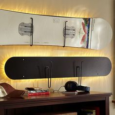 great way to store the snowboard and use old snowboard tables as well..!