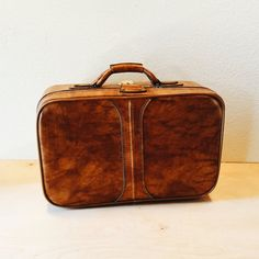 Beautiful marbled brown leather C & C Suitcase, Brown Travel Bag, Prop, Mid Century luggage, Carry On Bag, Handsome weekender bag