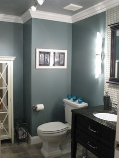 I really like this dark blue/gray color Benjamin Moore -40 Smokestack Gray. Pretty for the bathroom! And grey ceiling!