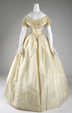 1860 dress. Oh my goodness!! Look at that waist!