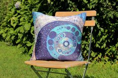 Ammonite - cuscino 100% seta- silk handmade batik unique piece Ammonite, Throw Pillows, Silk, Unique, Handmade, Toss Pillows, Hand Made, Decorative Pillows, Craft