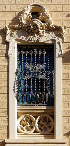 Casa Margarida Sans 1909 Architect: Josep Graner i Prat