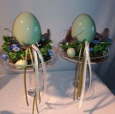 Egg Crafts, Easter Crafts, Diy And Crafts, Wine Glass Crafts, Easter 2018, Easter Table Settings, Easter Baskets, Holidays And Events, Easter Eggs