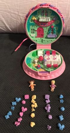 Vintage Polly Pocket Bluebird 1994 Birthday Party Cake Surprise 99.9% Complete | eBay 90s Toys, Retro Toys, Vintage Toys, Polly Pocket World, Poly Pocket, Doll Games, Childhood Toys, Pretty And Cute, Miniature Dolls