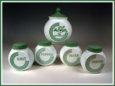 Vitrock Green circle canister and shakers. Spice Set, Spice Jars, Canister Sets, Canisters, Butler Pantry, Glass Ceramic, Jar Storage, Vintage Glassware, Vintage Green