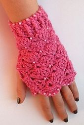 Ravelry: Beaded Crochet Mittens pattern by Sophia Reed