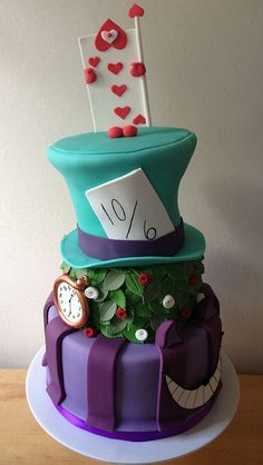 Alice in Wonderland Mad Hatter Wedding Cake. I wouldn't want to eat it tho. Alice In Wonderland Wedding Cake, Wonderland Party, Mad Hatter Wedding, Mad Hatter Cake, Gateaux Cake, Disney Cakes, Cute Cakes, Creative Cakes, Cake Creations