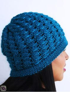 COUTURE HAT - nice pattern with video tutorial - http://blog.knittingboard.com/archives/3206