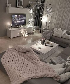 36 Cozy Living Room Design Ideas For Apartment - Home Bestiest Cozy Living Rooms, Apartment Living, Home And Living, Living Room Decor, Bedroom Decor, Cozy Apartment, Small Living, Bedroom Ideas, Modern Living