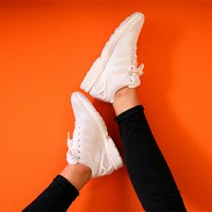 No te pierdas las rebajas de Capsule  y consigue,  por ejemplo, estas #adidas #zxflux por 79,99€ . Encuentralas en tienda y en la Shop on-line http://www.capsulesneakers.com/zapatillas/adidas/adidas-zx-flux-57071.html