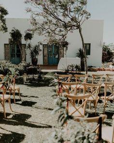 Trauung im Garten - Vanessa und Marco haben es genossen sich im mediterranen Garten zu trauen. Fotos @whatayoufulpicture Mediterranean Wedding, Wedding Ceremony Decorations, Garden Wedding, Wedding Designs, Hippie Boho, Villa, Instagram, Ideas, Mediterranean Garden