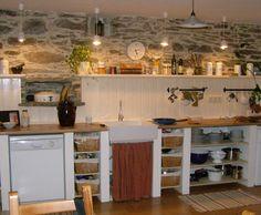 Bruchsteinküchenwand