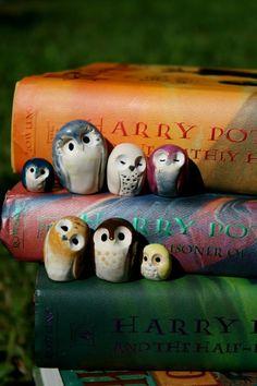 Corujas de harry potter em miniatura de madeira