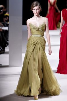See the complete Elie Saab Spring 2011 Couture collection.