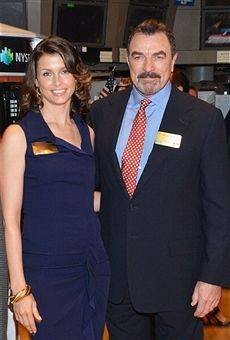 CBS's 'Blue Bloods' cast members Bridget Moynahan and Tom Selleck visit the New York Stock Exchange on May 2012 in New York City. Blue Bloods Jamie, Blue Bloods Tv Show, Tom Selleck Blue Bloods, Bridget Moynahan, Magnum Pi, Cowboy Baby, Nice People, Watch Movies, Good Looking Men