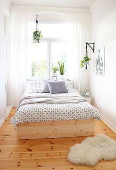 47 Wonderful Small Apartment Bedroom Design Ideas and Decor 46 - Home Decor Ideas 2020 Small Apartment Bedrooms, Small Apartments, Home Bedroom, Bedroom Decor, Bedding Decor, Chic Bedding, Ivory Bedding, Silver Bedding, Bedroom Ideas