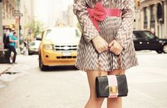 Glamgerous - Fashion Blog: Taxi Lovers #glamgerous #ootd  #look #dress #fashion #blogger #style #elegant #cream #floral #newyork #outfit