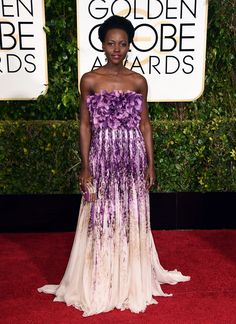 Lupita Nyong'o in Giambattista Valli couture at the Golden Globes. (Photo: Jordan Strauss/Invision/AP)