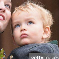 Princess Grace Kelly, Princess Caroline Of Monaco, Estilo Jackie Kennedy, Beatrice Casiraghi, Caroline Von Monaco, Beatrice Borromeo, Beautiful Boys, Royalty, Royal Families