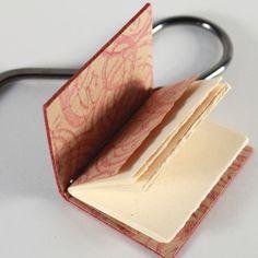 Segnalibro Mini-libro Borgogna Gazzetta di di SylvieRBookbinder