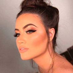 Date Night Makeup Ideas Cute Date Night Makeup Ideas - Schönheit von Make-up Crazy Makeup, Love Makeup, Makeup Inspo, Makeup Inspiration, Makeup Tips, Makeup Looks, Makeup Ideas, Style Inspiration, Formal Makeup