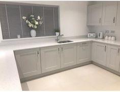 Have a peek here for Kitchen Worktop Ideas Grey Kitchen Designs, Kitchen Room Design, Diy Kitchen Decor, Kitchen Interior, Kitchen Cupboard Doors, Diy Kitchen Cabinets, Kitchen Units, Kitchen Blinds, White Kitchen Worktop