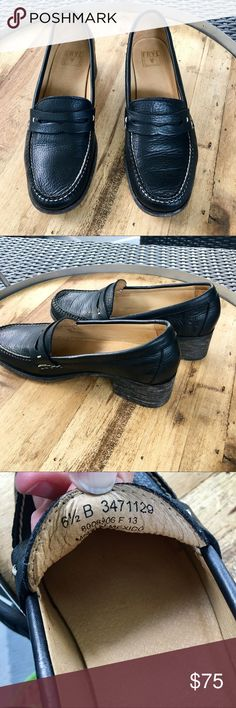 Frye Otis Penny Black Soft Loafers. EUC Frye's Otis Penny Loafer on a mid heel in soft leather. Size 6.5 B Frye Shoes Flats & Loafers