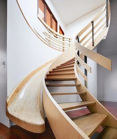 Poltrona Design, Indoor Slides, Escalier Design, Modernisme, Wood Stairs, Hammock Swing Chair, Workspace Design, Staircase Design, Slide Staircase