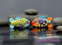 °° FISHIES °° lampwork beads pair by jasmin french
