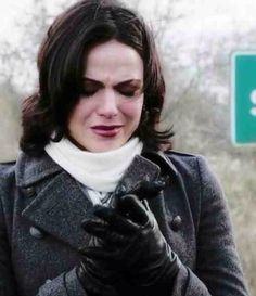 Regina Mills - Goodbye Storybrooke and her son- Once Upon a Time Jaime Murray, Grace Helbig, Regina And Emma, Swan Queen, Regina Mills, Pictures Of People, Favim, Going Home, Ouat