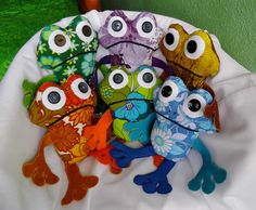 Vintage fabric frogs