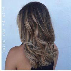 Beige blonde balayage with a fresh cut !