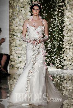 Brides: Reem Acra - Fall 2015. Strapless ivory silk organza trumpet wedding dress with sweetheart neckline, Reem Acra