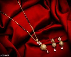 Mangalsutra: free COD For enquiry and booking on WhatsApp Gold Chain Design, Gold Bangles Design, Gold Earrings Designs, Gold Jewellery Design, Fancy Jewellery, Silver Jewellery Indian, Bead Jewellery, Gold Mangalsutra Designs, Gold Chain With Pendant