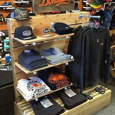 Clothes Shop Interior Store Displays Wardrobes Ideas For 2019 Clothing Store Interior, Clothing Store Displays, Clothing Store Design, Retail Wall Displays, Store Layout, Boutique Decor, Café Bar, Retail Store Design, Shop Interiors