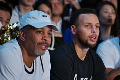 Golden State Warriors star point guard Stephen Curry is used to heaving deep and making each with ease. Stephen Curry Mom, Fox Sports, Sports News, Half Court Shot, Seth Curry, The Curry Family, Family Foundations, Weekend Events, Free Throw