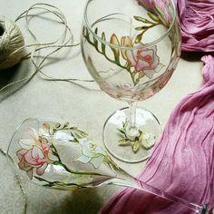 """Купить Пара свадебных бокалов для вина """"Фрезия"""" в интернет магазине на Ярмарке Мастеров"""