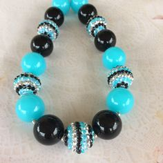 Beautiful teal and black bubblegum necklace!