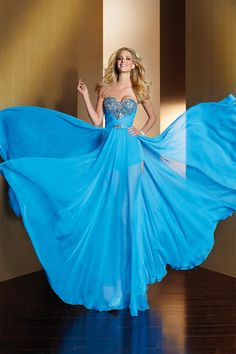 Omg i want this for prom this year !!! love it   Free-Flowing Chiffon A-Line Skirt With Boy Shorts Underneath