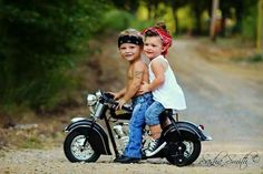 Jaw-Dropping Useful Tips: Harley Davidson Diy Holidays harley davidson gifts for her.Harley Davidson Women Sterling Silver harley davidson gifts for her. Biker Chick, Biker Girl, Harley Davidson Modelle, Pin Up, Foto Baby, Cool Bikes, Beautiful Children, Beautiful Wife, Belle Photo