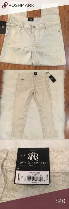 Rock & Republic Gold and Ivory jeans Stunning ivory jeans with gold detailing. Perfect for the holidays! Ankle length, size 14, new with tags. Rock & Republic Jeans Ankle & Cropped