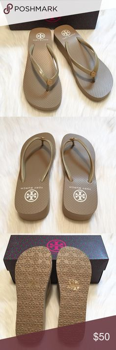 """NEW Tory Burch Wedge Flip Flop Thong Sandals! NEW in box, Tory Burch Wedge Flip Flop Sandals! Size: 7. Color: """"Italian Khaki"""" (Taupe). """"This casual, neutral tone platform flip-flop is a must-have wardrobe staple."""" - 1 1/2"""" heel; 3/4"""" platform. - PVC upper and lining/rubber sole Additional Info from TB: Whole sizes available only; for 1/2 sizes, order next size up. 🚫TRADES. Tory Burch Shoes Sandals"""
